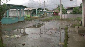Presidente Varela recorrió comunidades afectadas por las máximas mareas