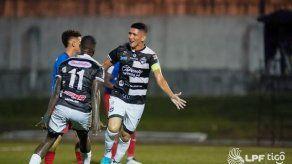LPF: Tauro y Plaza Amador empatan 2-2 en el Clásico Nacional
