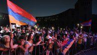 Tras seis semanas de combates que dejaron cerca de 6.000 muertos, Armenia se vio obligada a ceder amplias zonas que controlaba, desde una primera guerra en la década de los 1990, en torno a Karaba.