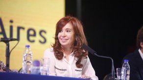 Cristina Fernández vuelve de Cuba y prepara último tramo de campaña electoral