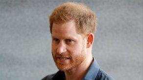 El príncipe Enrique desvela el regalo navideño más original de Isabel II a su pequeño Archie