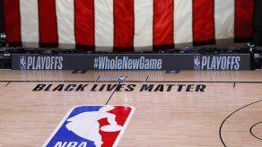 Jugadores de NBA aceptan seguir temporada en Disney