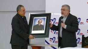 Entregan reliquia de Beato Óscar Romero a la Arquidiócesis de Panamá sede de la JMJ 2019
