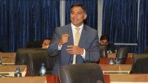 Reprograman audiencia al exdiputado Valderrama e imputan cargos a tres en caso Pandeportes