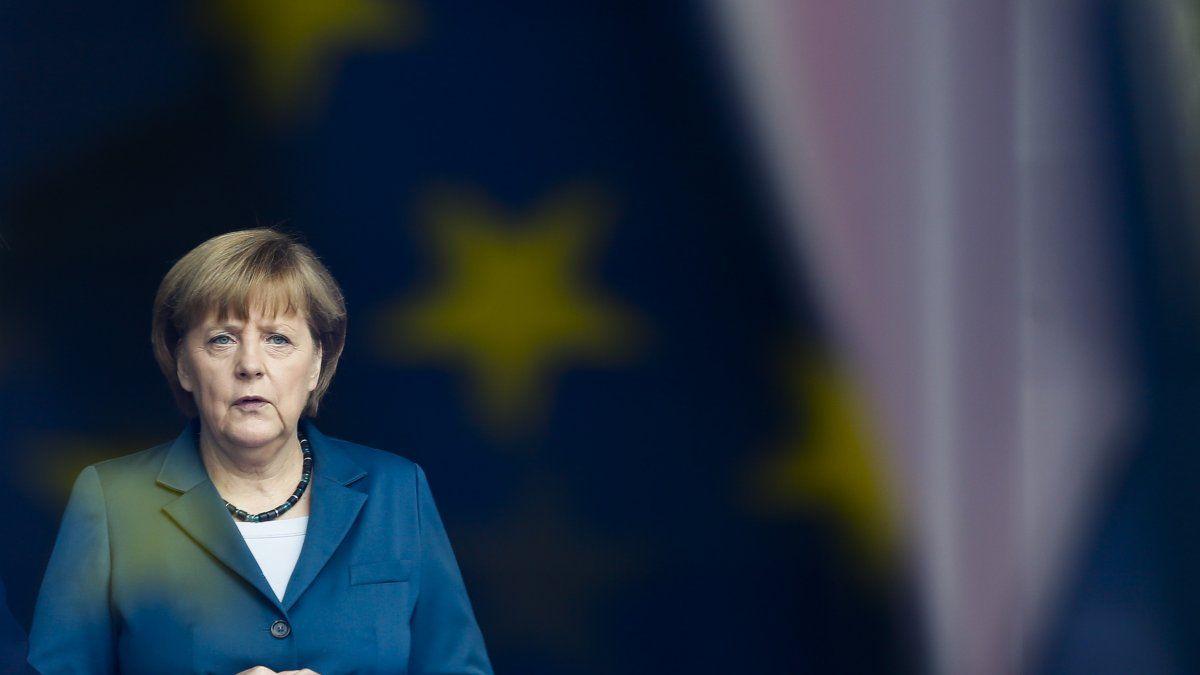 En 16 años al timón de la economía más grande de Europa, Angela Merkel puso fin al servicio militar, orientó al país hacia un futuro sin combustibles nucleares y fósiles, hizo posible la legalización del matrimonio entre personas del mismo sexo, entre otros logros.