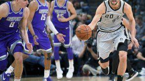 Ginóbili consigue 15 puntos; Spurs doblegan a Kings