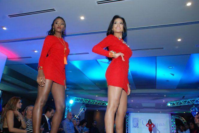 Pasarela con joyería durante preliminar de Miss Panamá 2015