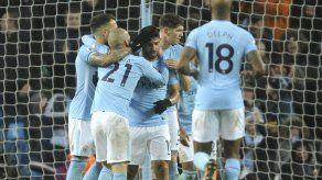 Sterling y 'Kun' guían a City a reencuentro con el triunfo