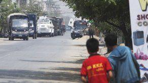 Junta Myanmar corta flujo informativo
