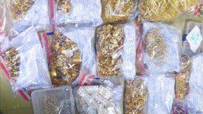 Capturan a ocho correos humanos que traficaban oro entre Colombia y Panamá