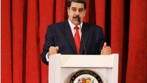 Maduro reaparece y denuncia que levantamiento tenía apoyo en Colombia y EEUU