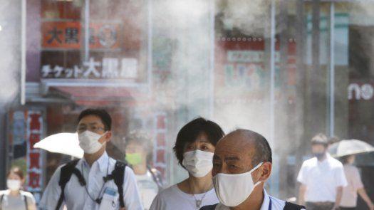 """Los expertos del comité de gobierno metropolitano de Tokio advirtieron que la progresión de las infecciones impulsadas por la más contagiosa variante delta del virus se ha vuelto """"explosiva""""."""