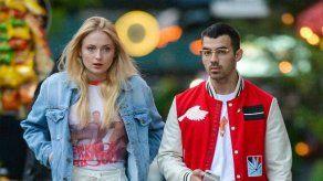 Sophie Turner y Joe Jonas recurren a un terapeuta tras la muerte de su perro