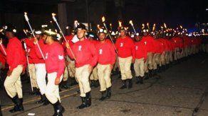 Cuerpo de Bomberos realizó el tradicional Desfile de Antorchas