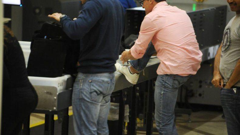 Arrestos en caso de robo de maletas en Aeropuerto de Los Angeles