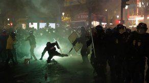 Miles protestan contra ley de seguridad en Francia