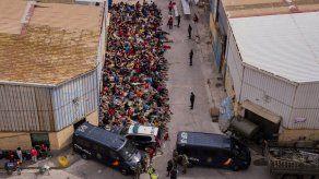 En los últimos días, la frontera entre Marruecos y Ceuta se volvió porosa tras las advertencias del gobierno marroquí a España de que enfrentaría consecuencias por la decisión de Madrid de atender de coronavirus al jefe de un grupo insurgente.