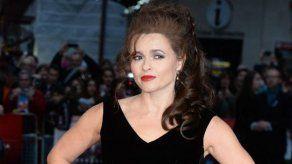 Helena Bonham Carter aplaude a las manifestantes que interrumpieron el estreno de Suffragette