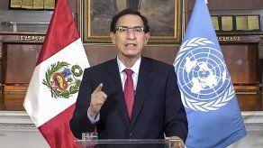 Perú: presidente va al Congreso a defenderse de destitución