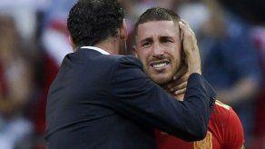 España sigue maldita frente a los anfitriones mundialistas