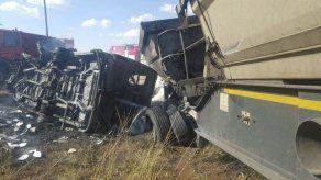 Veinte niños mueren en un accidente de bus en Sudáfrica