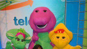 Barney visita las instalaciones de Medcom