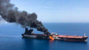 Evacuados dos buques cisterna en un nuevo incidente en el golfo de Omán