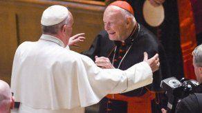Revelan que excardenal McCarrick apartado por el papa vive en un monasterio