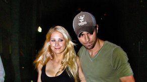 Enrique Iglesias: el mejor caballito para sus mellizos Nicholas y Lucy