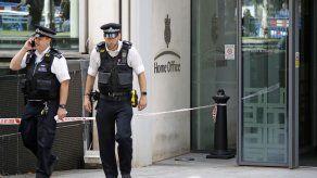 Un hombre apuñalado delante del ministerio del Interior en Londres