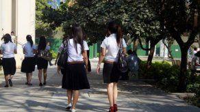 Elegir falda o pantalón desata la revolución en universidad tailandesa
