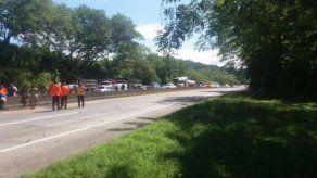 Manifestantes cierran la Autopista Panamá-Colón en Kuna Nega