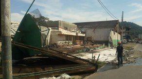 Colapsa muro de contención en la Avenida Nacional