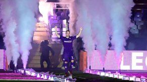 Miles de hinchas de Fiorentina reciben a Franck Ribéry