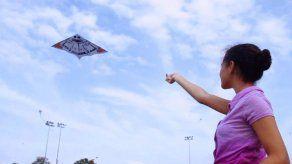 Etesa pide no volar cometas cerca de tendidos eléctricos tras incidentes