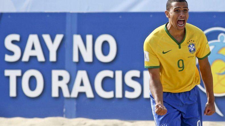 Brasil gana y elimina a España en el Mundial de fútbol playa