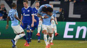 Manchester City da el golpe en Alemania al ganar al Schalke por 3-2