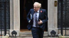 Johnson provoca polémica en Escocia al calificar de desastre la autonomía