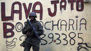 Presentan cargos contra seis sospechosos de hackear teléfonos de la Lava Jato