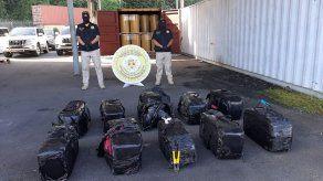 Decomisan 10 maletines con supuesta droga dentro de contenedor en puerto del Pacífico