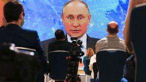 Putin niega toda participación en envenenamiento de enemigo