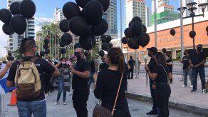 Profesionales de Eventos de Panamá protestan frente Atlapa
