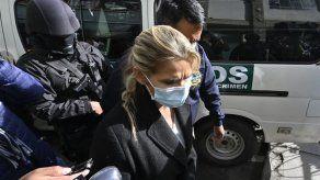 Juez boliviano autoriza trasladar a expresidenta Áñez de la cárcel a clínica