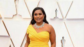 Mindy Kaling no sabe cuánto cuesta el collar que llevó a los Óscar