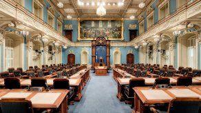 Quebec descuelga crucifijo del Parlamento tras aprobación de leyes sobre laicidad