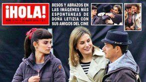 Letizia visita a Penélope Cruz en el rodaje de La Reina de España