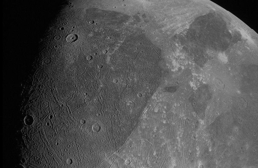 Las fotos muestran la superficie con un detalle notable
