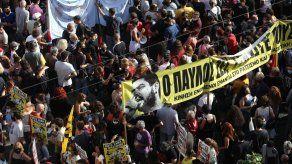Corte griega clasifica a Amanecer Dorado como grupo criminal