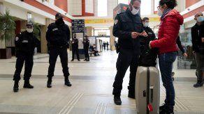 Miles de extrabjeros están varados en Francia