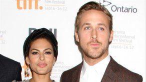 Las hijas de Ryan Gosling y Eva Mendes creen que su padre es astronauta